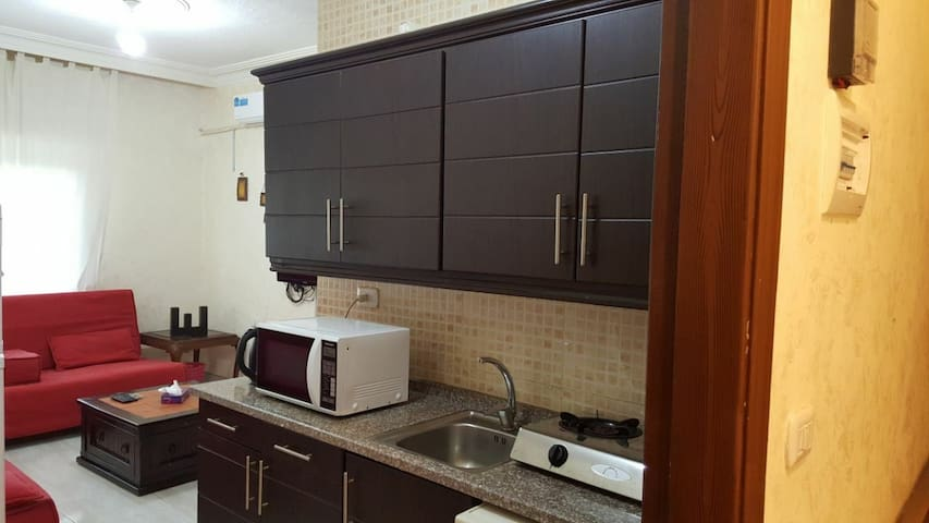 Manal's place 2 in Al Jubaiha 1BR for 3 guests