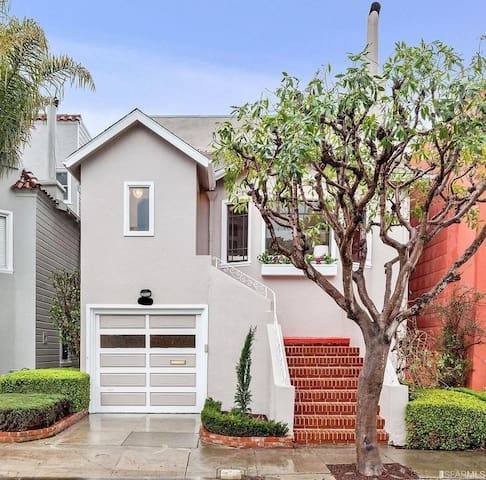 San Francisco 3 Floor House with Private Backyard