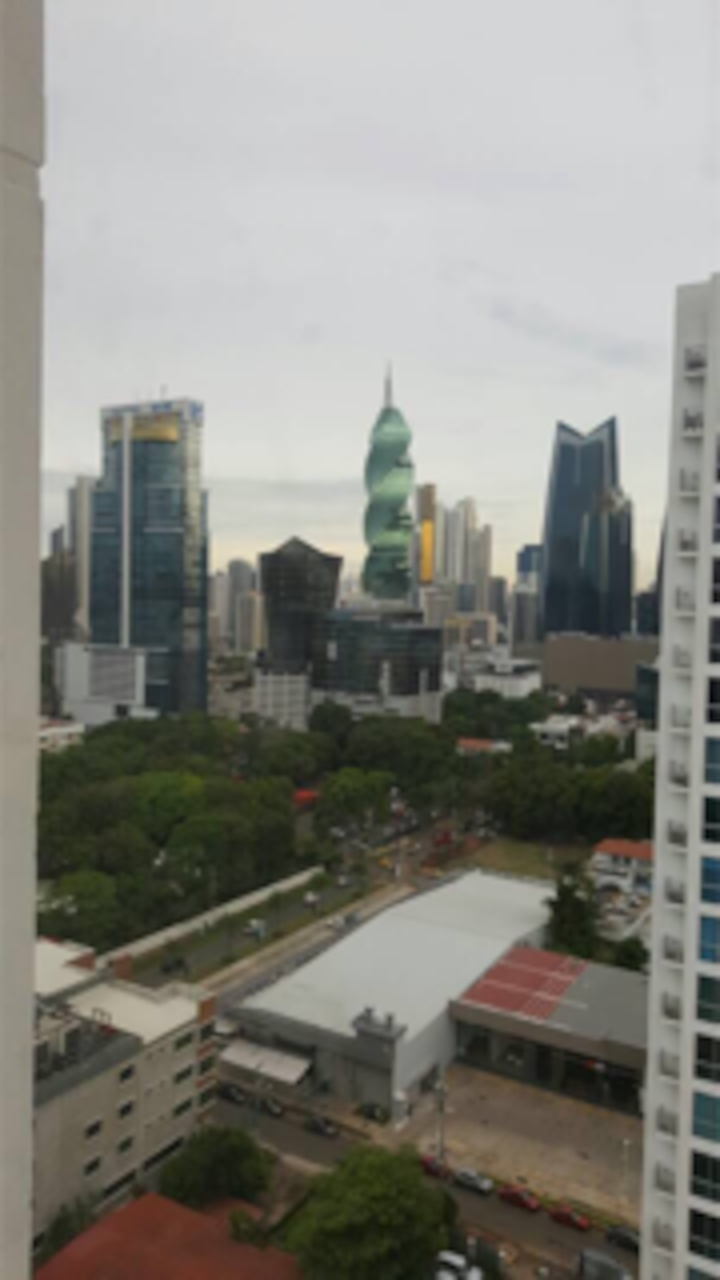 Furnished apartment at Obarrio- Panama.Max 4 Guest