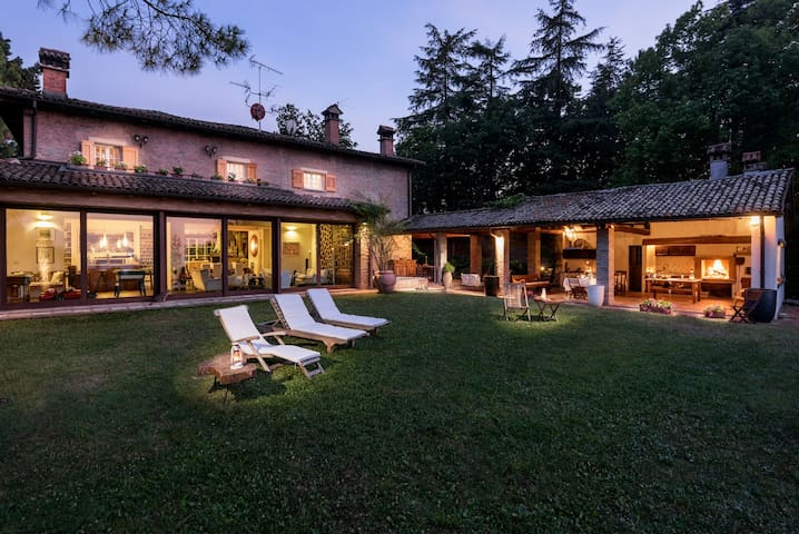 Villa Monte Quercione - Holiday Retreat in Bologna - Zola Predosa - Casa de campo