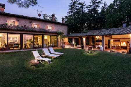 Villa Monte Quercione - Holiday Retreat in Bologna - Zola Predosa - Villa