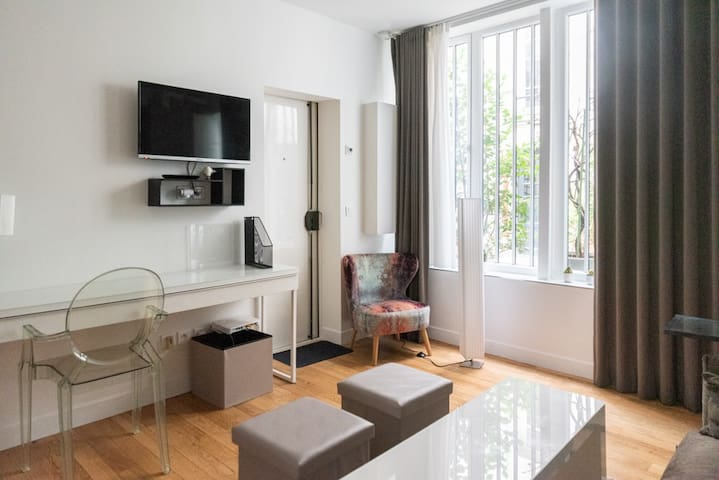 Quiet apartment near Bastille - Professional Cleaning