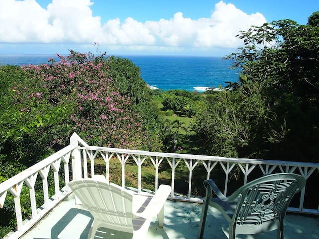 Saphira Cottage in Peaceful Seaside Community - Robins Bay, St. Mary, Jamaica