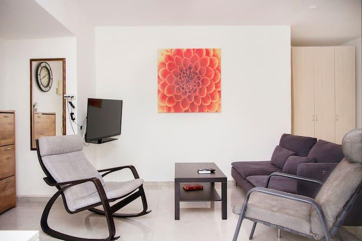 Olei Ha-Gardom 3 · KAV Apartments - Next to Assuta Olei Ha-Gardom 30