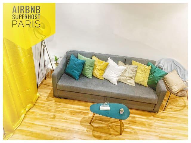 Salon à l'étage avec un Canapé lit convertible et confortable 1/2