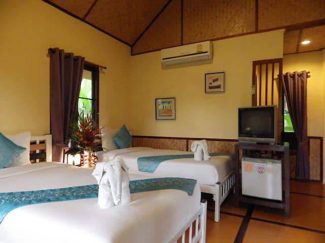 Pura Vida Pai Resort Twin cottage airconditioning with breakfast