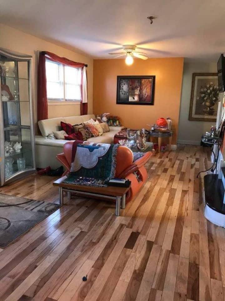 Beautiful Private Room in Skokie