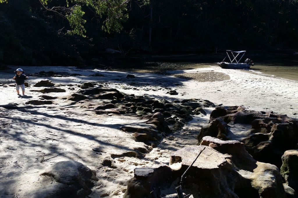 beautiful bushwalks around or arrive by boat