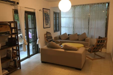 BRIGHT room in heart of Tel-Aviv - SPECIAL OFFER! - Tel Aviv-Yafo