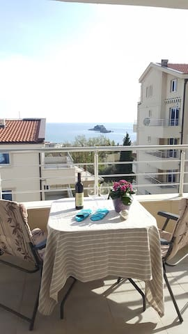 Sea view nice apartment in Petrovac