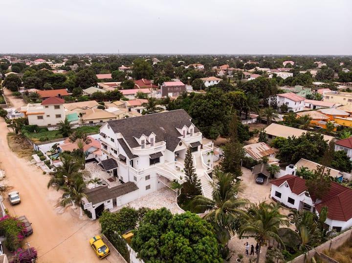 #8 princess apartments 230 mt to  senegambia strip