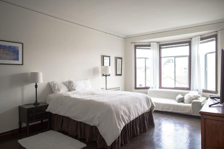 Beautiful Marina Apt, 1 Block from Bay & Ft. Mason - San Francisco - Appartamento