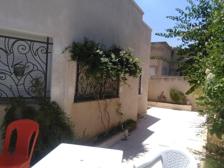 Villa sympathique a cote de UTHINA