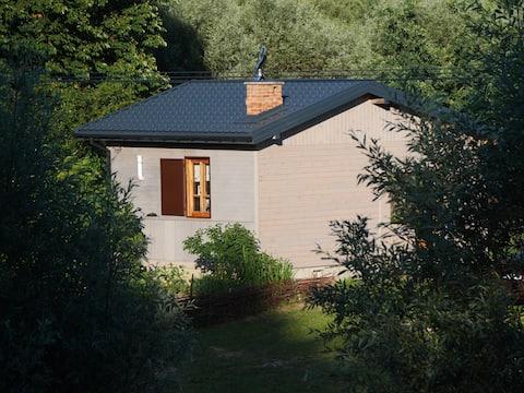 Domek nad łąkami. Tiny House on the Vistula River
