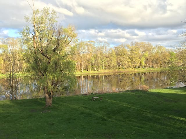 Lovely Cottage by the River! - New Paltz - Casa