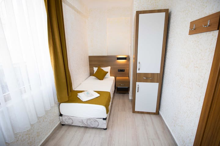 İkiz Otel Tek Kişilik Single Room city ​​center