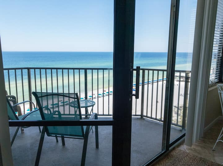 condo on the beach! Beach Access, Free WIFI