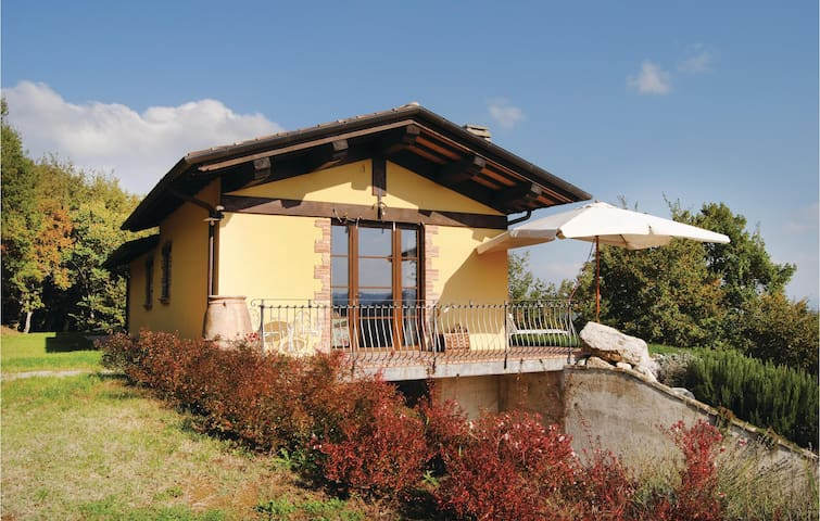 Holiday cottage with 2 bedrooms on 80 m² in Città di Castello -PG-