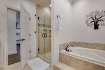 Master walk in shower and jetted tub