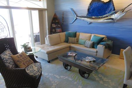 Sunset Marina Complete Condo Getaway - キーウェスト