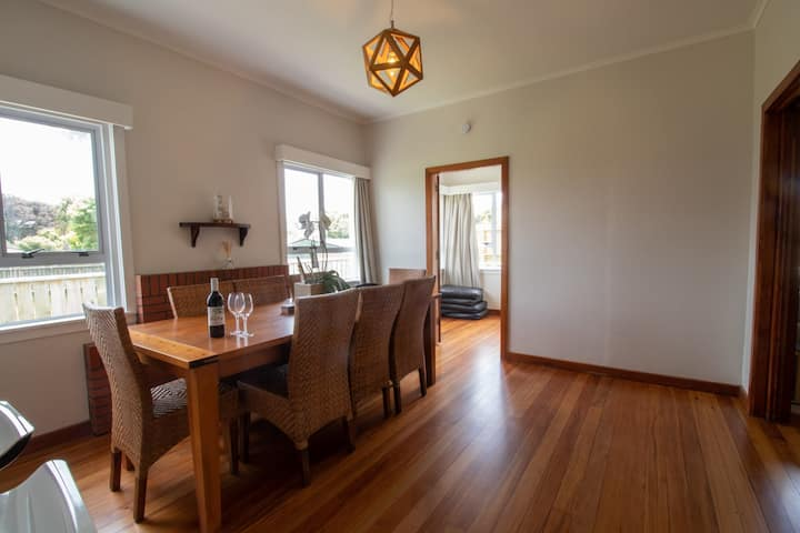 SPACIOUS IN STRANDON - GREAT VALUE FOR A FAMILY
