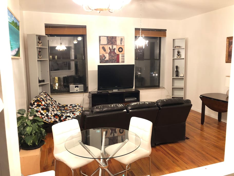Gorgeous view of midtown skyline two bedroom for Appartamenti midtown new york