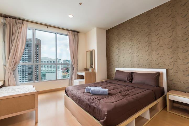Comfortable apartment 5min walk to BTS !