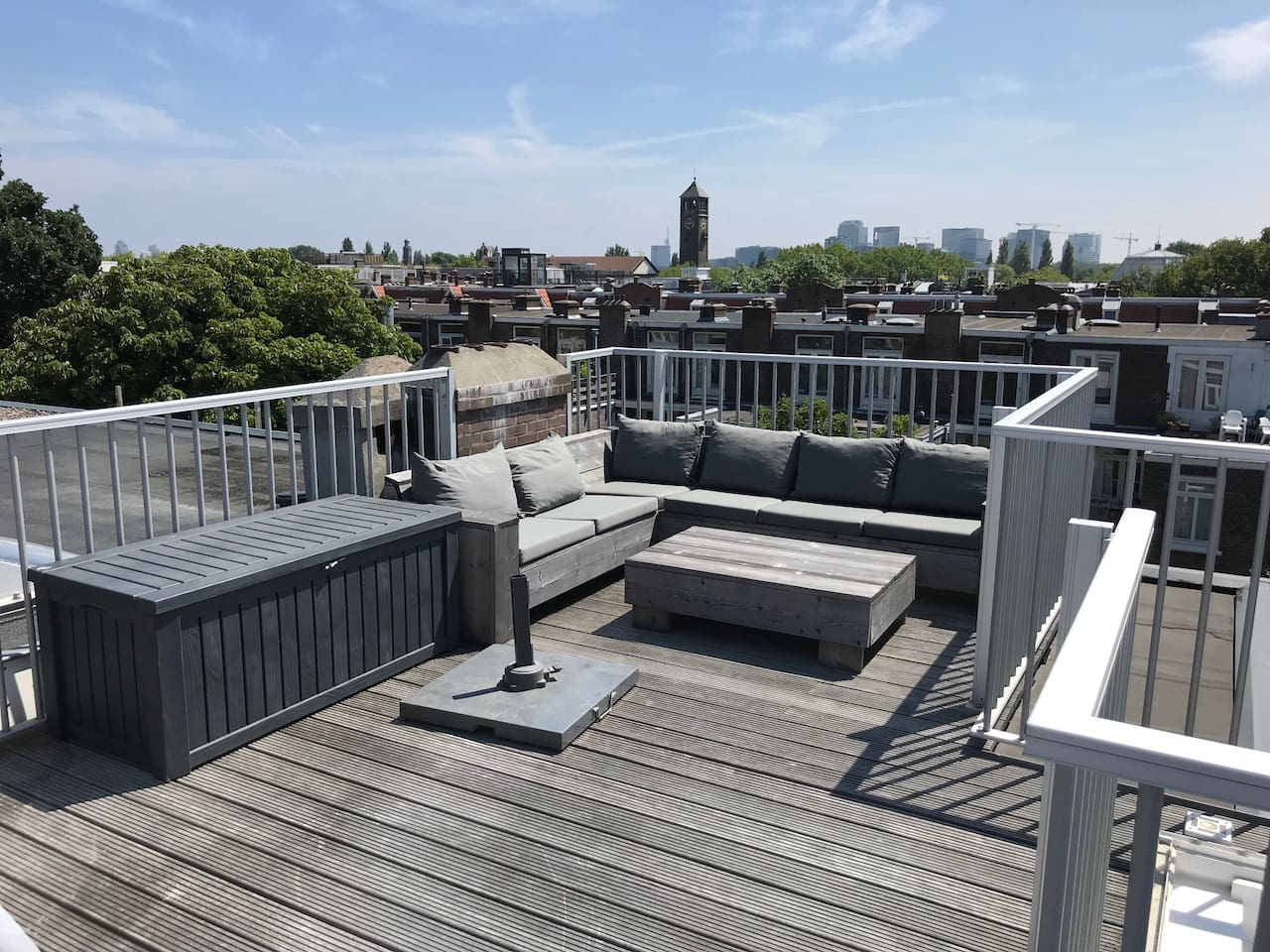 Very bright and sunny apartment, 2 levels + rooftop terrace + sunny bedroom terrace