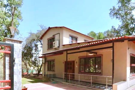 Classy Villa for party and leisure in Virar