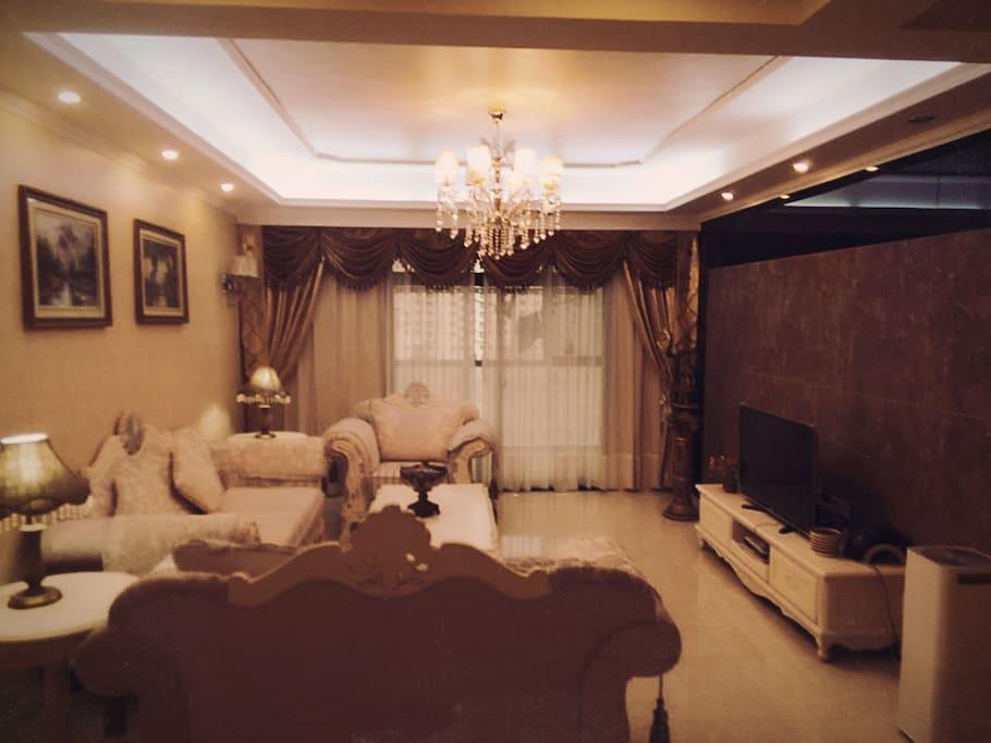 法式 奢华客厅,水晶吊灯