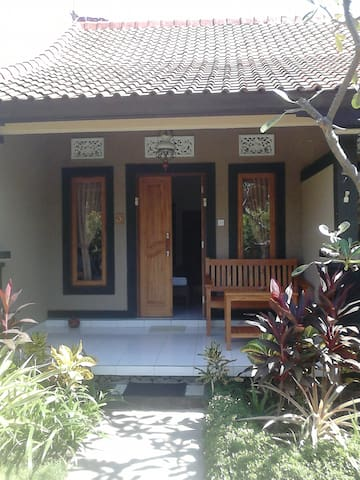 Superior Pande Guest House - Gerokgak - Pension