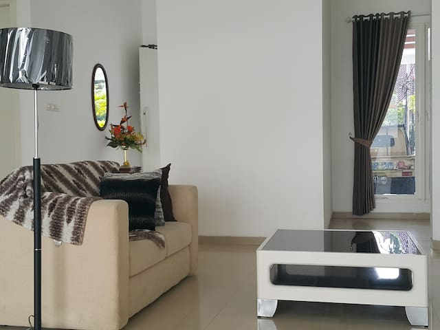 Bale Bale Guest House Malang - Sukun - Appartement