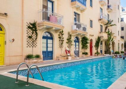 Tal-Latini 5 - Apartment + Pool + Netflix