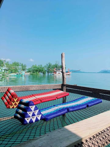 Deluxe room sea view with aircon & Balcony.