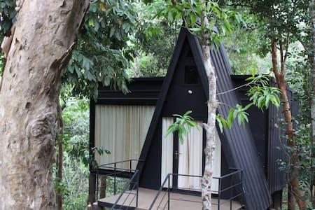 Romantic Hut in the Jungle - Meppadi