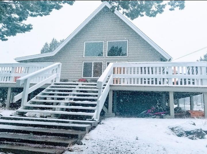 ☆LAKESIDE LOFT☆ Beautiful cabin with lake access