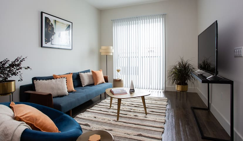 Music Row | Upscale 1BR King Suite by Locale