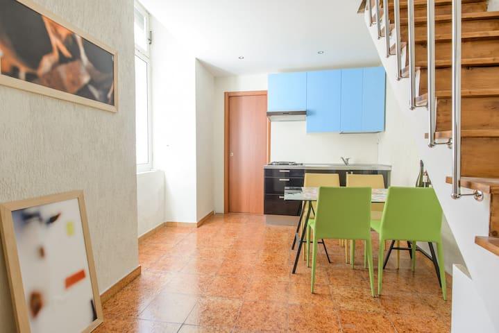 Adorable 2-floor loft apartment - OLD NAPLES - Naples - Loft