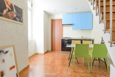 Adorable 2-floor loft apartment - OLD NAPLES - Neapel - Loft