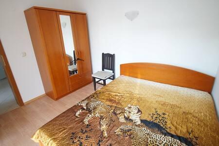 Сдаю просторную квартиру для отдыха - Sunny Beach - Lakás