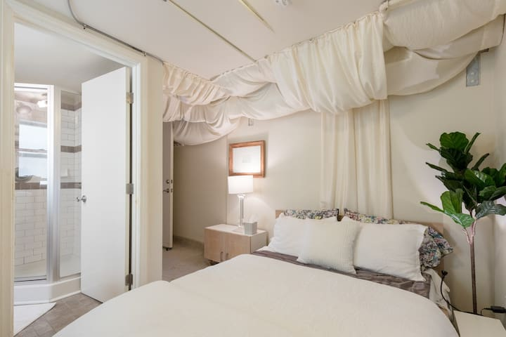 Your private bedroom is small but cozy & comfortable.  Full-sized mattress  and pristine linens are high-end.   Reading lights are beside the bed, plus a chest of drawers, full-length mirror and a desktop for work or to hold your suitcase.
