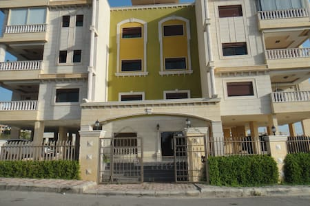 Friendly family, in a quite area! - Tyre - Apartemen