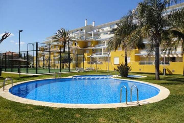 Apartamento de 2 hab a 50 m de playa Les Bovetes