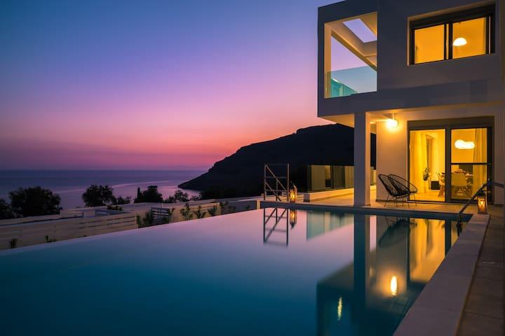 Luxurious Sunrise 3 villa in Vlycha Bay
