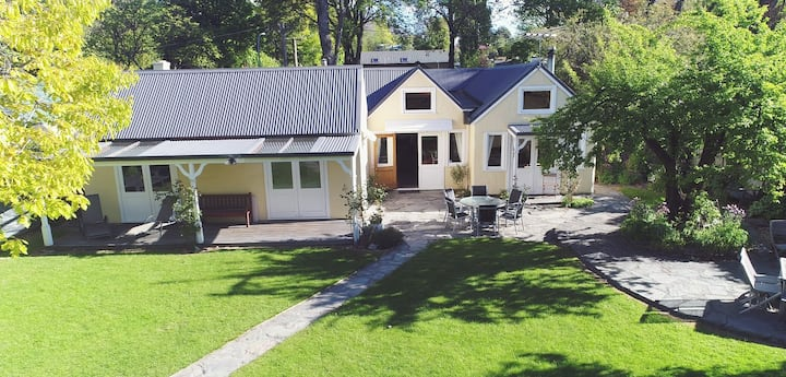 Amazing Family Home - Central Arrowtown