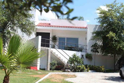 Casa de Campo en área privada junto al Rio