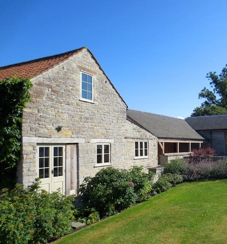 Pretty & romantic cottage for two, nr Glastonbury - Butleigh - Huis