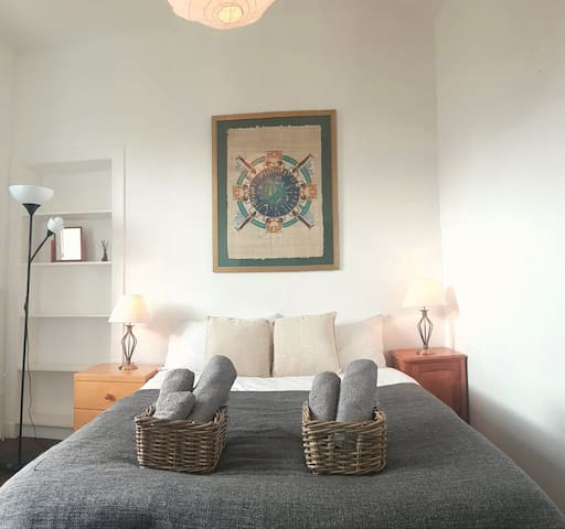Beautiful Double Room Bottom Of Royal Mile