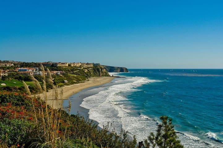 Your large walk-to-beach apartment getaway - Dana Point - Apartmen