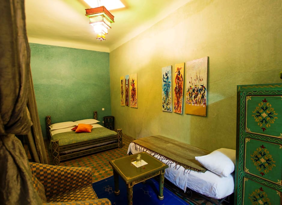 Riad zinoun spa triple amande chambres d 39 h tes louer for Chambre d hotes marrakech